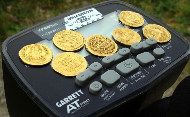 Какой металлоискатель лучше для поиска монет